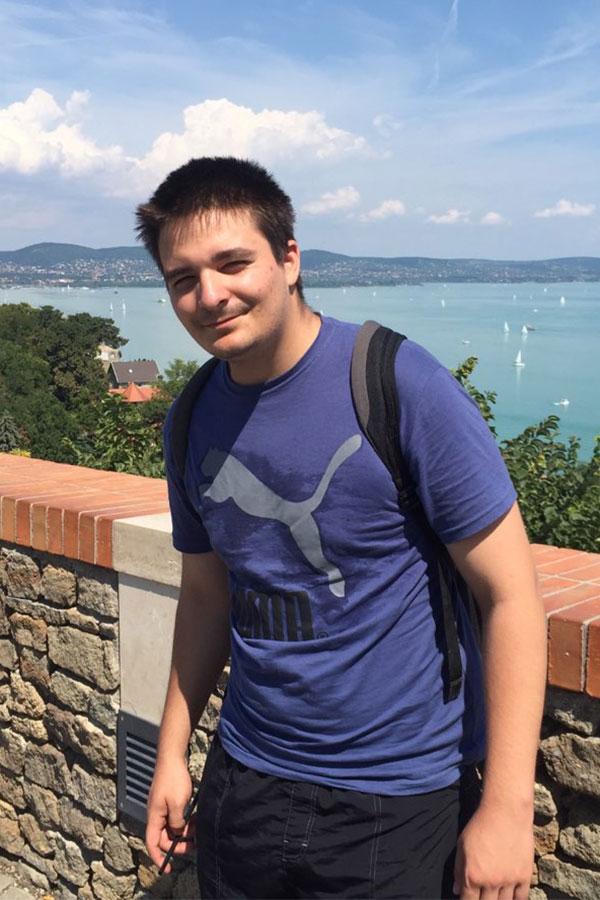 Viharos Ottó webfejlesztő, online marketinges